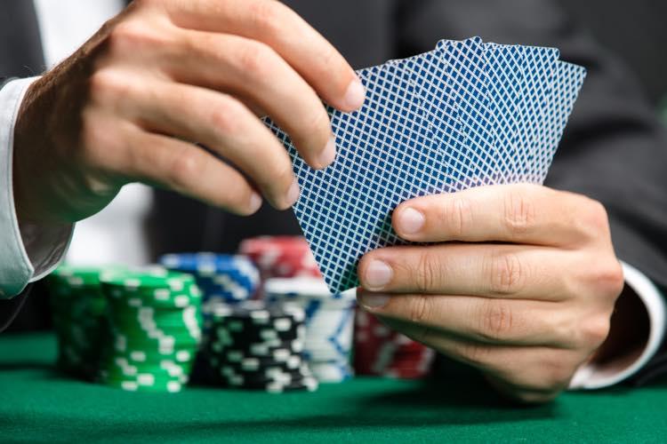 目標利益を根こそぎ獲得!10ユニット法を使ってカジノで稼ぐ全知識